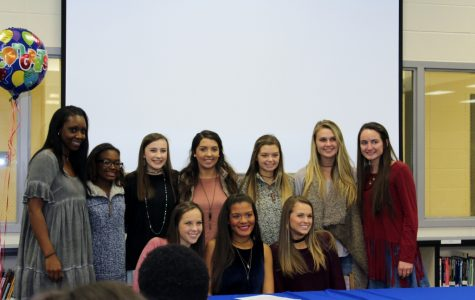 Riggins signs with Wallace-Hanceville