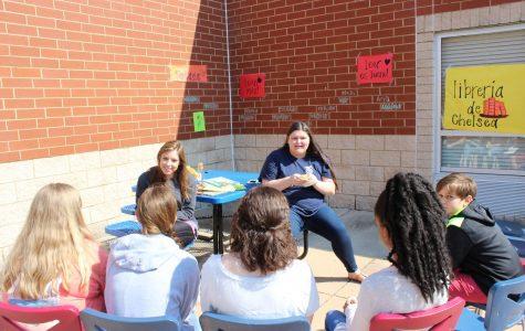 Spanish club celebrates language, culture